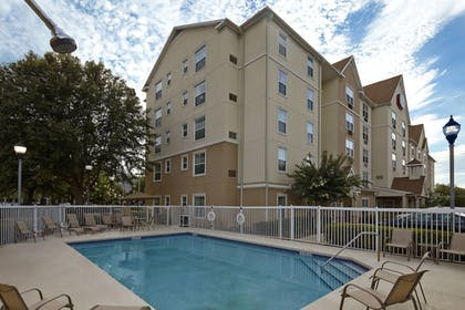 Outdoor Pool | TownePlace Suites by Marriott Orlando East/UCF Area