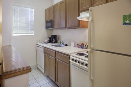 In-Room Kitchen | TownePlace Suites by Marriott Orlando East/UCF Area