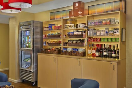 Snack Bar | TownePlace Suites by Marriott Orlando East/UCF Area