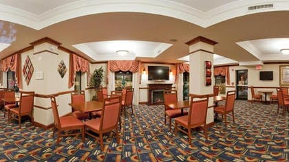 Dining | Holiday Inn Express Hotel & Suites Easton