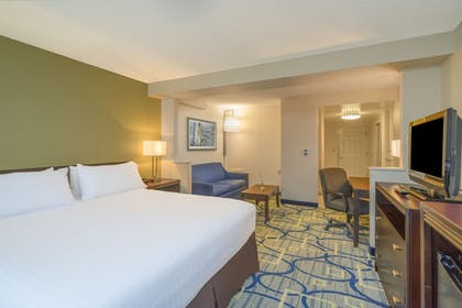 Guestroom | Holiday Inn Express Hotel & Suites Easton