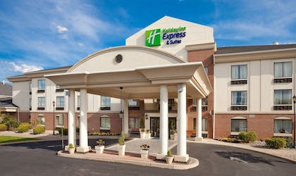 Exterior | Holiday Inn Express Hotel & Suites Easton