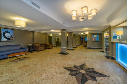 Lobby | Holiday Inn Express Hotel & Suites Easton