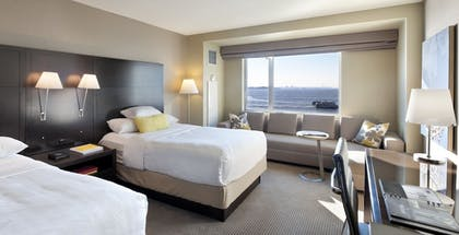 Guestroom | Hyatt Regency Jersey City on the Hudson