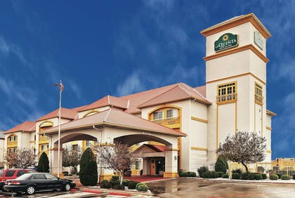 Featured Image | La Quinta Inn & Suites by Wyndham Weatherford