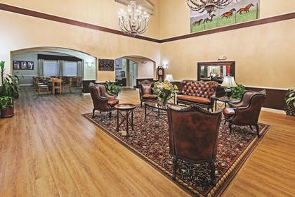 Lobby | La Quinta Inn & Suites by Wyndham Weatherford