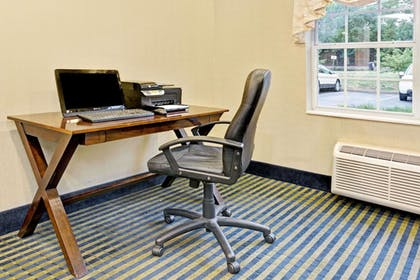 Business Center | Microtel Inn & Suites by Wyndham Florence/Cincinnati Airport