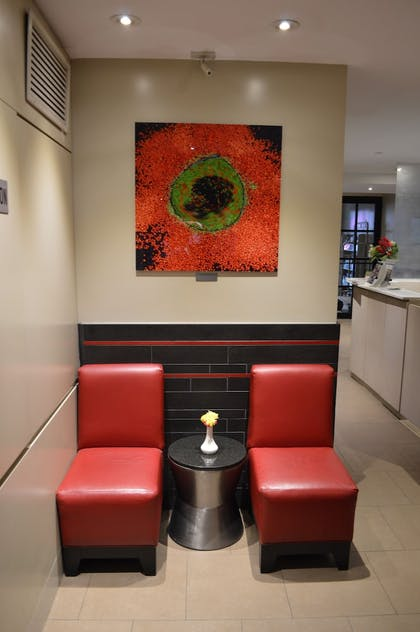 Lobby Sitting Area | Best Western Plus Hospitality House Apartments