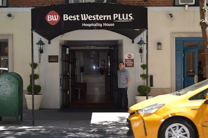 Hotel Front | Best Western Plus Hospitality House Apartments