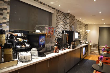 Breakfast buffet | Best Western Plus Hospitality House Apartments