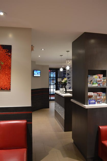 Lobby | Best Western Plus Hospitality House Apartments