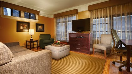 Living Area | Best Western Plus Hospitality House Apartments