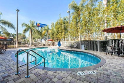 Pool | Comfort Inn & Suites Orlando North
