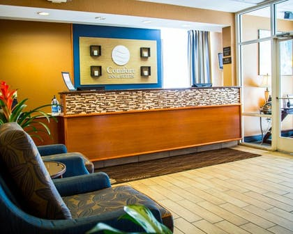 Lobby | Comfort Inn & Suites Orlando North