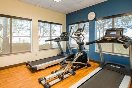 Fitness Facility | Comfort Inn & Suites Orlando North