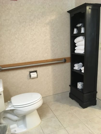 Bathroom Amenities | Boothill Inn And Suites