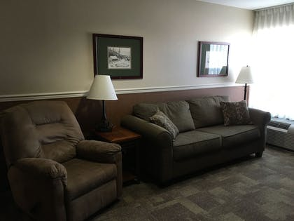 Living Area | Boothill Inn And Suites