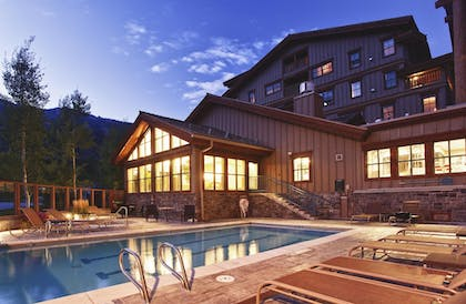 Outdoor Pool   Teton Mountain Lodge and Spa - A Noble House Resort