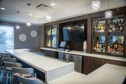 Hotel Bar | SpringHill Suites by Marriott Miami Airport South