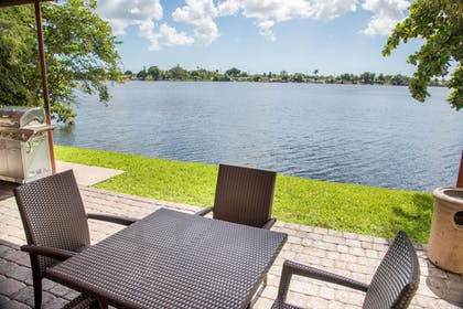 Lake | SpringHill Suites by Marriott Miami Airport South