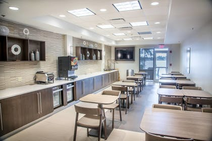 Breakfast Area | SpringHill Suites by Marriott Miami Airport South