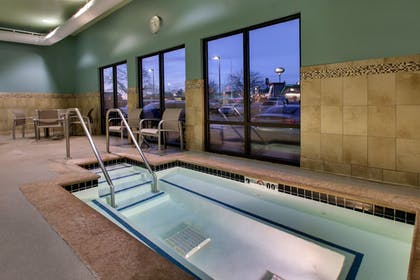 Indoor Spa Tub | Holiday Inn Express & Suites - Interstate 380 at 33rd Avenue