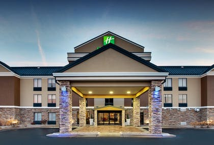 Featured Image   Holiday Inn Express & Suites - Interstate 380 at 33rd Avenue