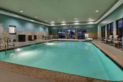 Pool | Holiday Inn Express & Suites - Interstate 380 at 33rd Avenue