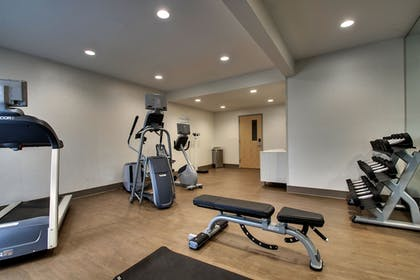 Fitness Facility   Holiday Inn Express & Suites - Interstate 380 at 33rd Avenue