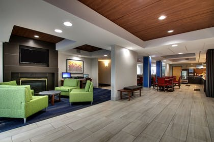 Interior   Holiday Inn Express & Suites - Interstate 380 at 33rd Avenue