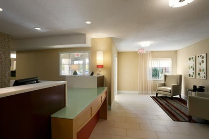 Reception | Hawthorn Suites by Wyndham Raleigh/Cary