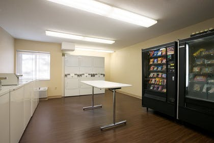 Laundry Room | Hawthorn Suites by Wyndham Raleigh/Cary