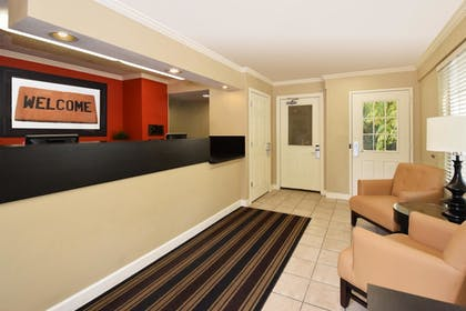 Lobby | Extended Stay America - Raleigh-Research Triangle Park-Hwy55