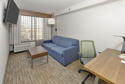 Guestroom | Holiday Inn Express & Suites Irving Conv Ctr - Las Colinas