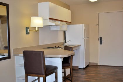 In-Room Kitchen | Extended Stay America - Chicago - Schaumburg -Convention Ctr