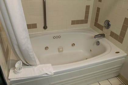 Jetted Tub | New Victorian Suites