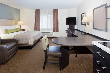 Guestroom | Candlewood Suites Houston CityCentre I-10 West