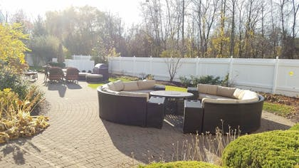BBQ/Picnic Area | Fairfield Inn & Suites by Marriott Rochester West/Greece