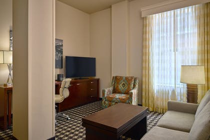 Room | Courtyard by Marriott Denver Downtown