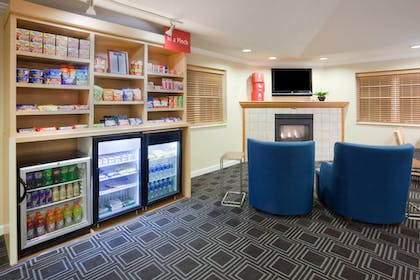 Snack Bar | Towneplace Suites By Marriott Minneapolis Eden Prairie
