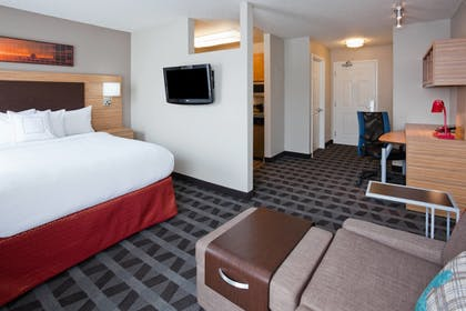 Guestroom | Towneplace Suites By Marriott Minneapolis Eden Prairie