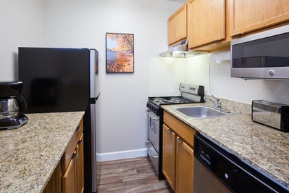 In-Room Kitchen | Towneplace Suites By Marriott Minneapolis Eden Prairie
