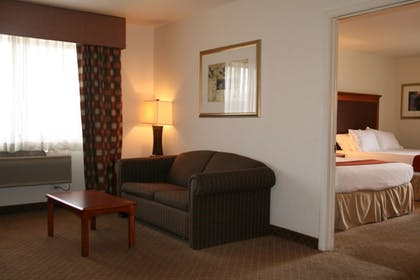 Living Area | Holiday Inn Express Hotel & Suites Park City