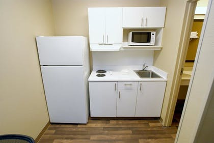 In-Room Kitchen | Extended Stay America - Richmond - W Broad St-Glenside-South