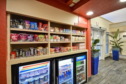 Snack Bar | TownePlace Suites by Marriott Sioux Falls