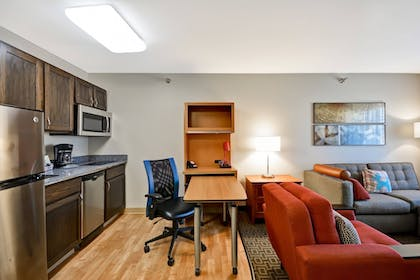 Room | TownePlace Suites by Marriott Sioux Falls