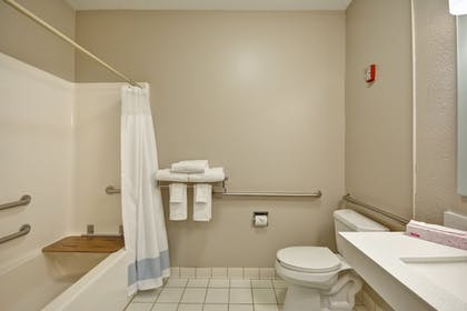 Bathroom | TownePlace Suites by Marriott Sioux Falls