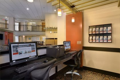Business Center | Holiday Inn Express Hotel & Suites Scottsdale - Old Town