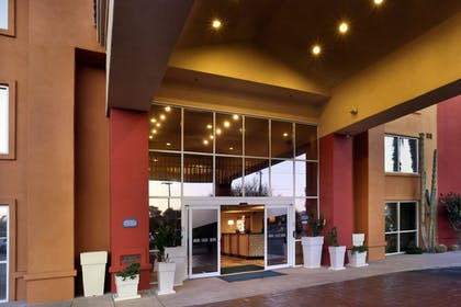 Exterior | Holiday Inn Express Hotel & Suites Scottsdale - Old Town