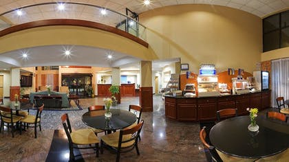 Breakfast Area | Holiday Inn Express Hotel & Suites